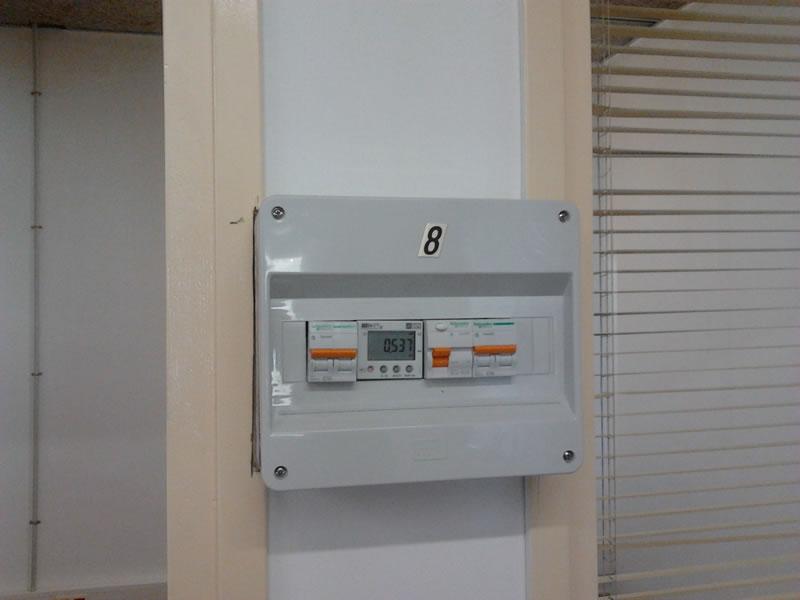 Cuadro con Magnetotermico, diferencial, interruptor general y contador electrico